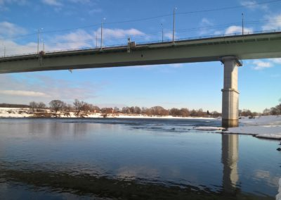 Фото автомобильный мост в Бронницах в солнечный зимний день